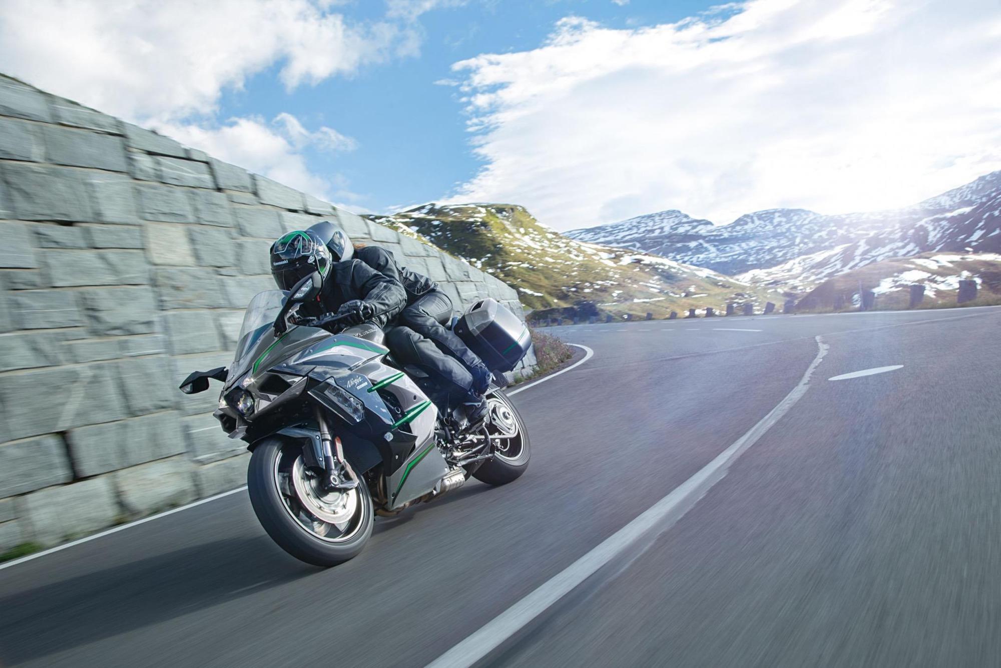 Kawasaki Ninja H2 SX SE+ 2019, completando el tridente H2