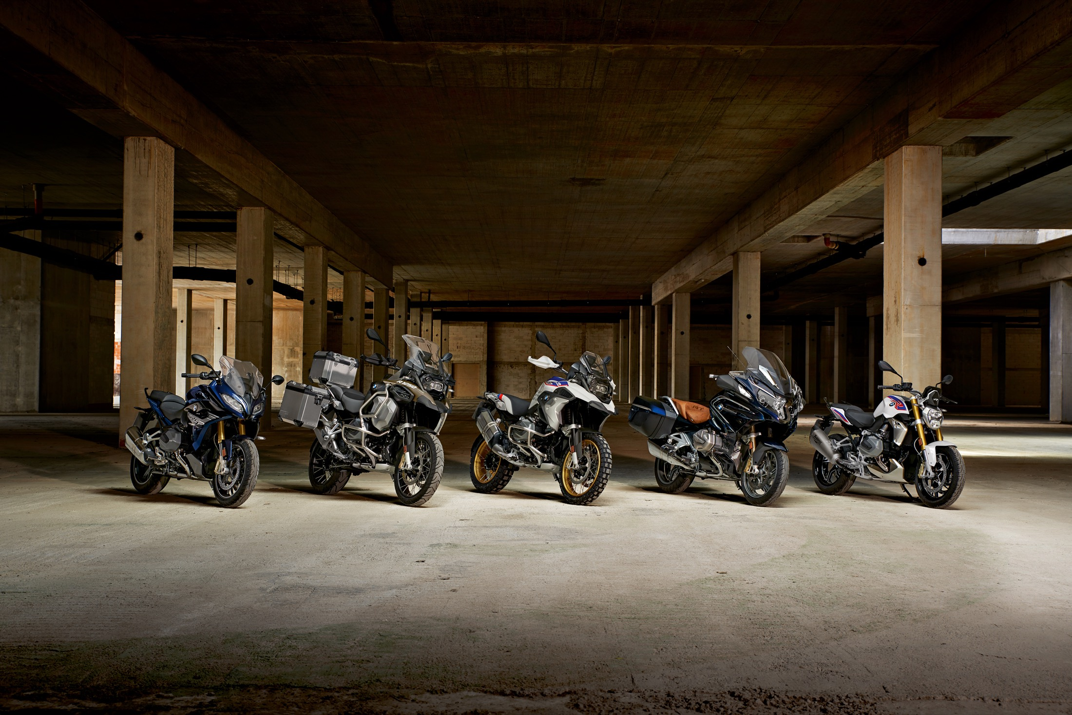 BMW R 1250 R, RS y GS Adventure 2019, renovación en lote