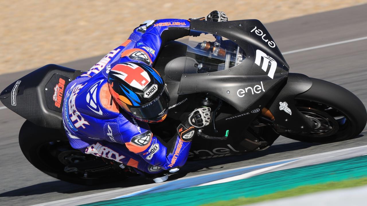 Bradley Smith se pone al frente de las MotoE en el segundo día en Jerez