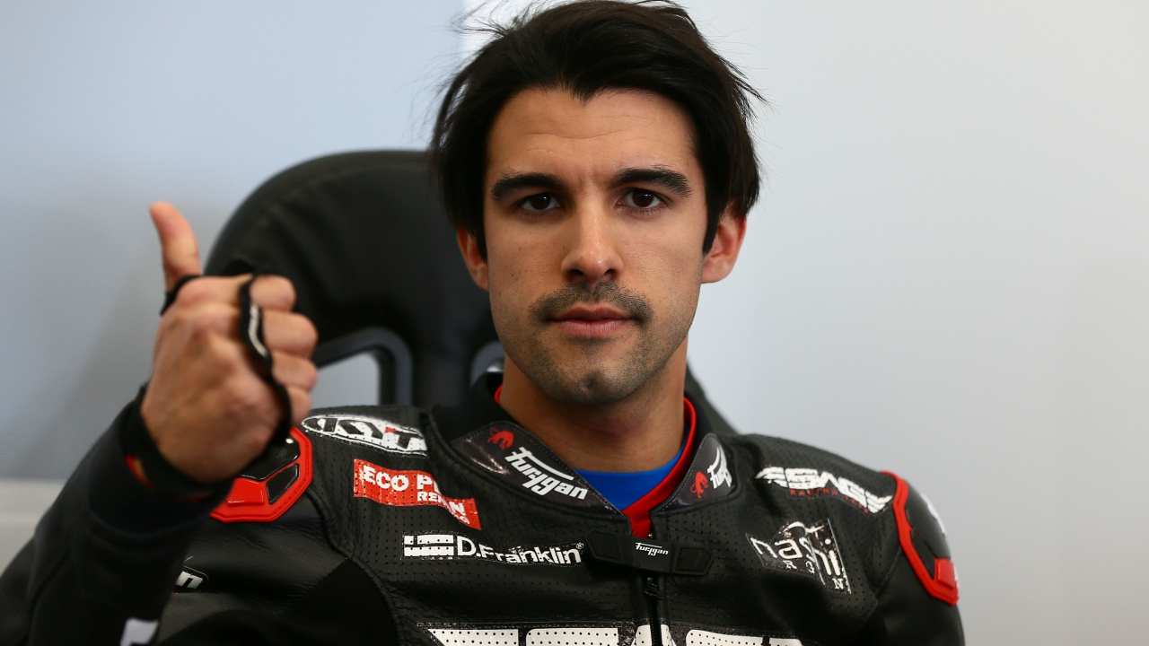 Isaac Viñales al Mundial de Supersport 2019 con la Yamaha R6 campeona del mundo