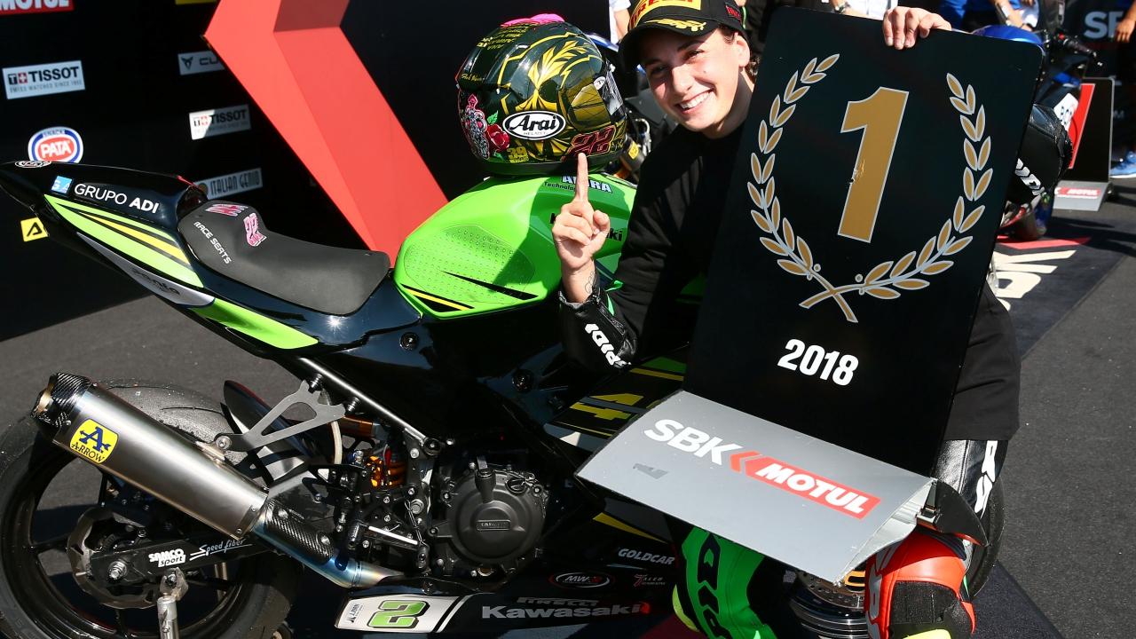 Ana Carrasco ficha por Provec Kawasaki y llevará el número 1 en Supersport 300 2019