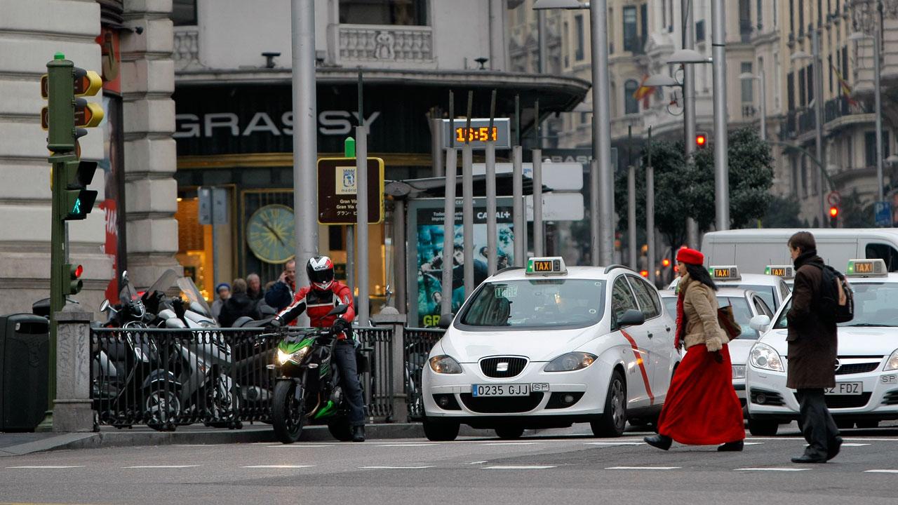 Madrid probará carriles moto a modo experimental
