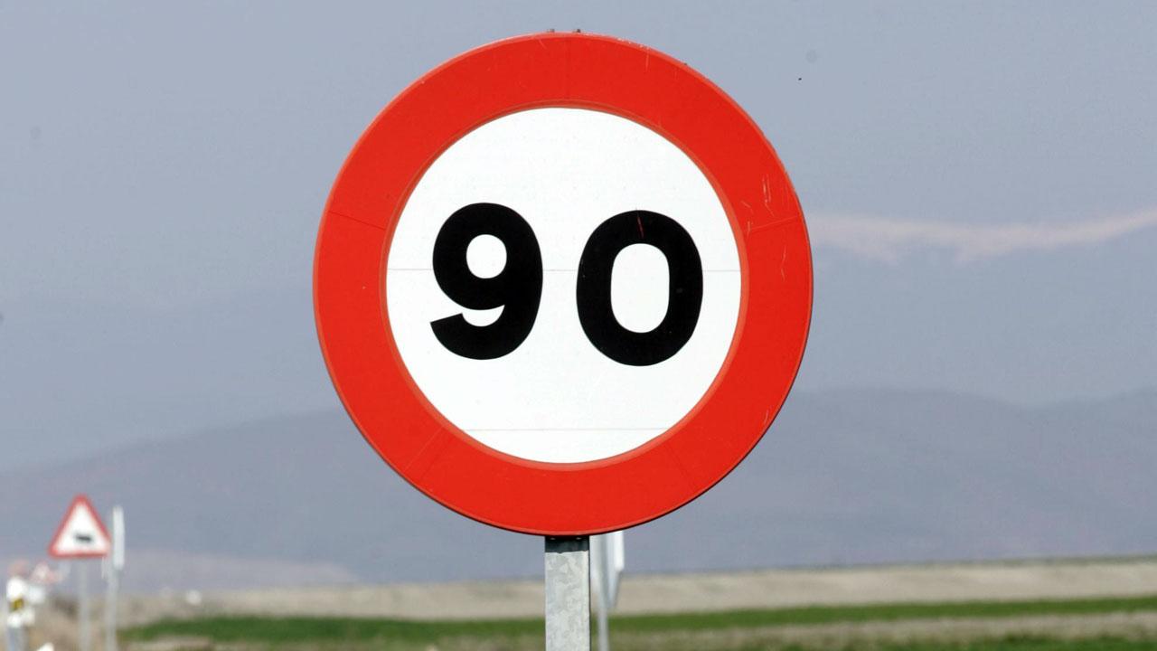 La DGT reduce la velocidad a 90 km/h en carreteras convencionales