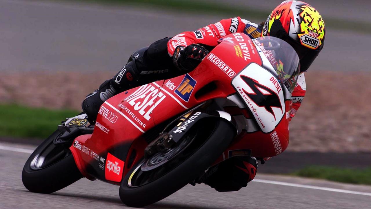 Valentino Rossi ficha a Roberto Locatelli, uno de los últimos 'especialistas' del Mundial