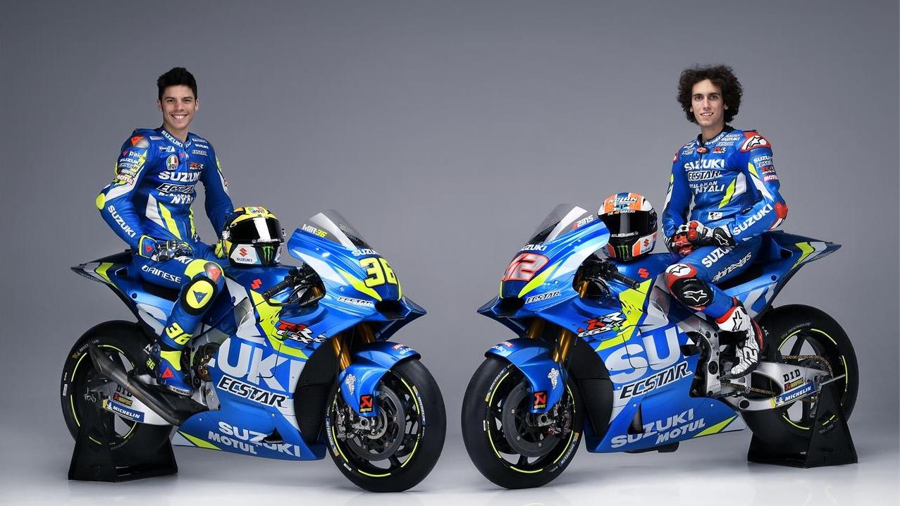 Álex Rins y Joan Mir enseñan las Suzuki GSX-RR que llevarán en MotoGP 2019