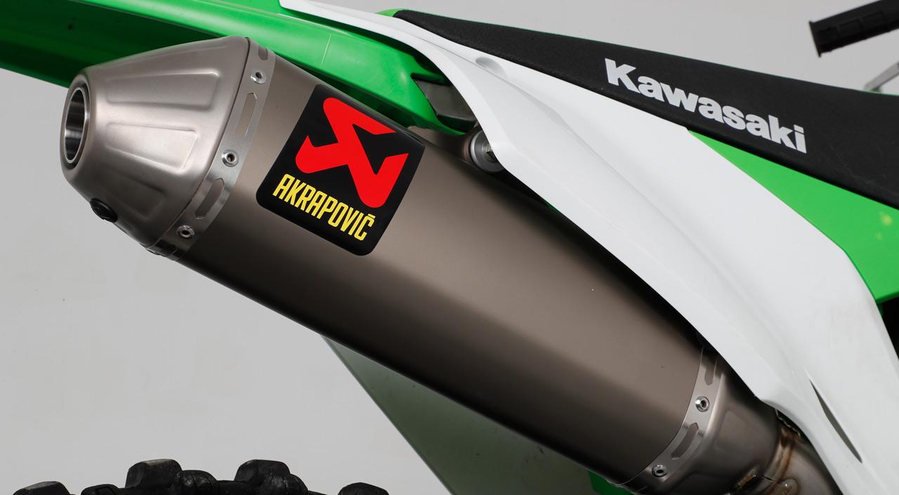 Akrapovic Evolution para KX 450 2019, montaje y prueba