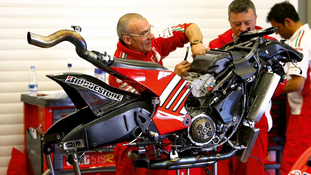 """¿Qué es el """"schooling"""" en MotoGP?"""