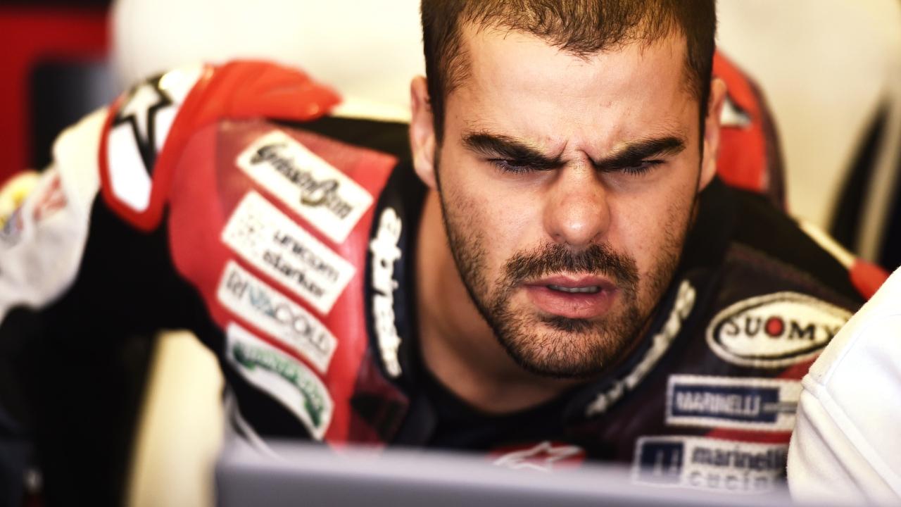 Romano Fenati vuelve del ostracismo para hacerse con casi todos los récords de Moto3