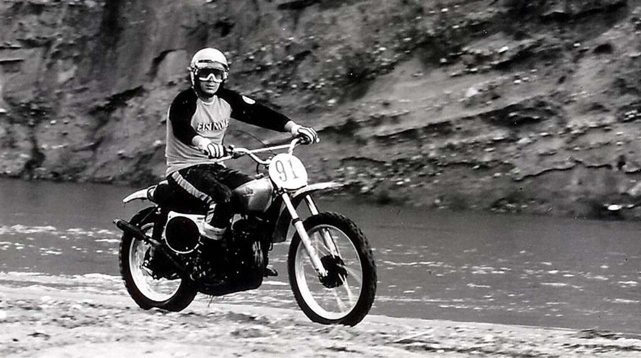 Steve McQueen y la Honda Elsinore