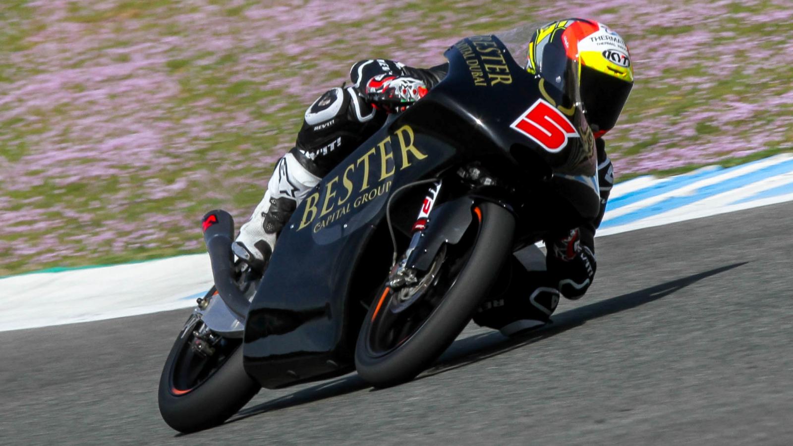 Jaume Masiá destroza el récord de Moto3 en Jerez y se rompe tres dedos del pie