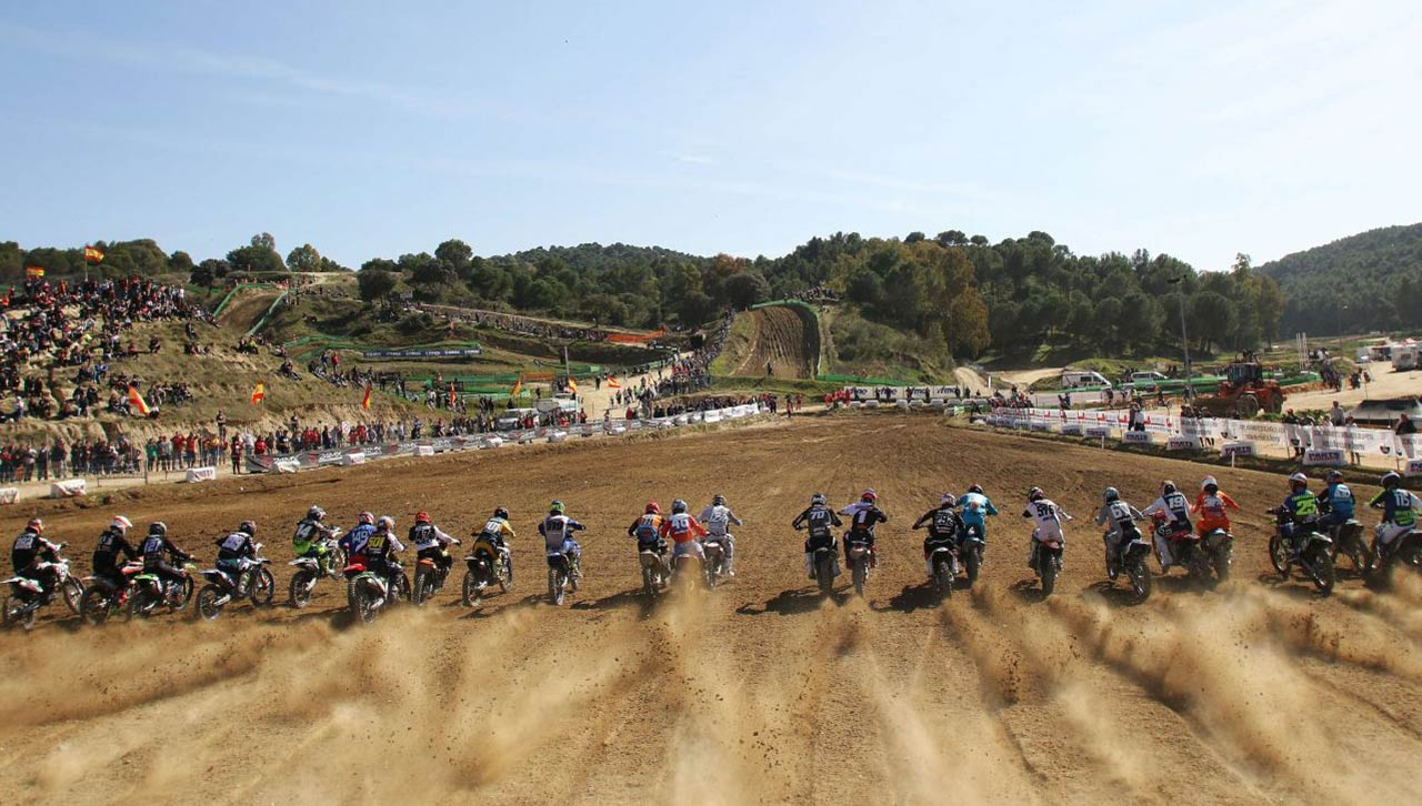 Ander Valentin e Iker Larrañaga se imponen en el Motocross de Talavera