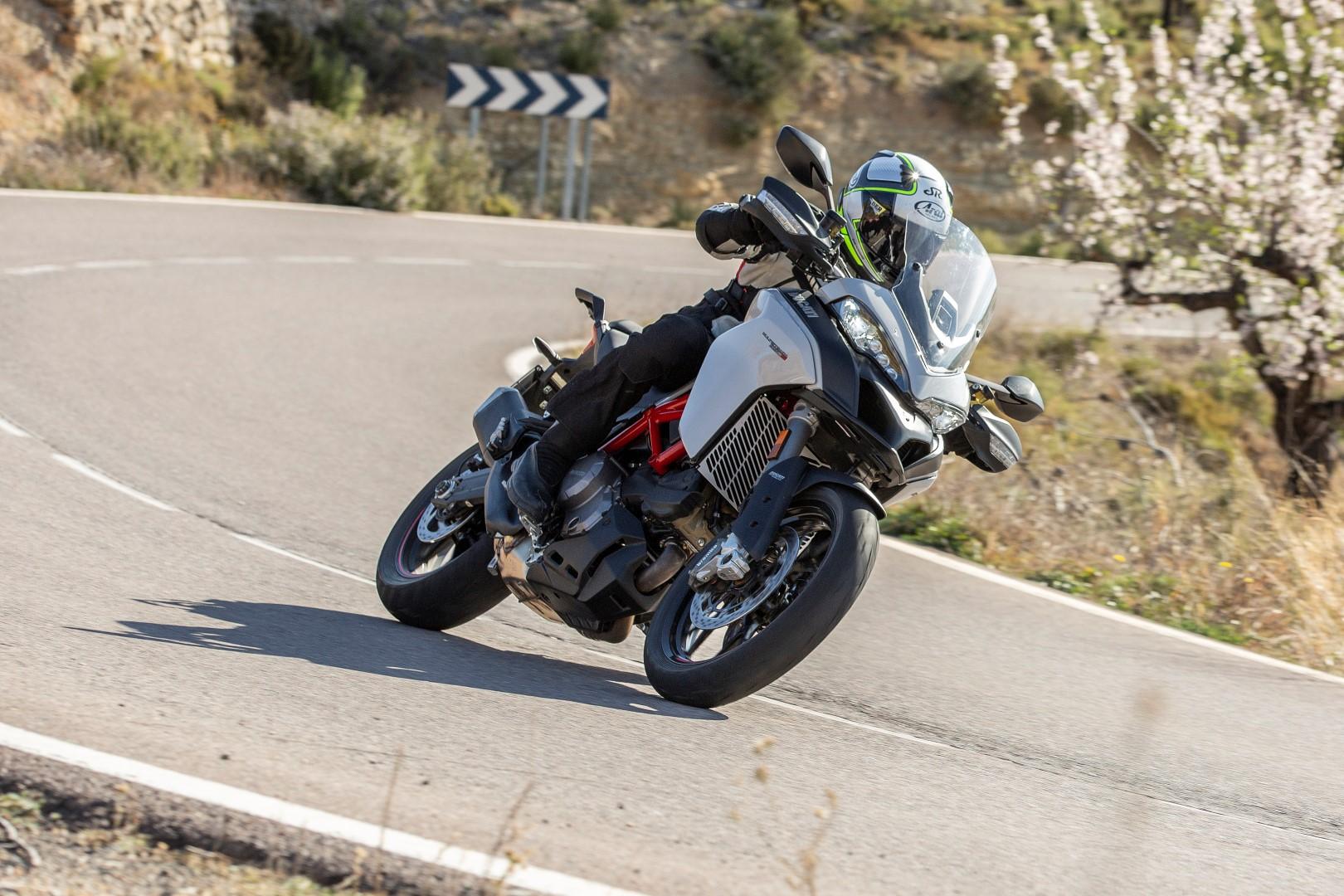 Ducati Multistrada 950 2019, primeras impresiones, precio y ficha técnica