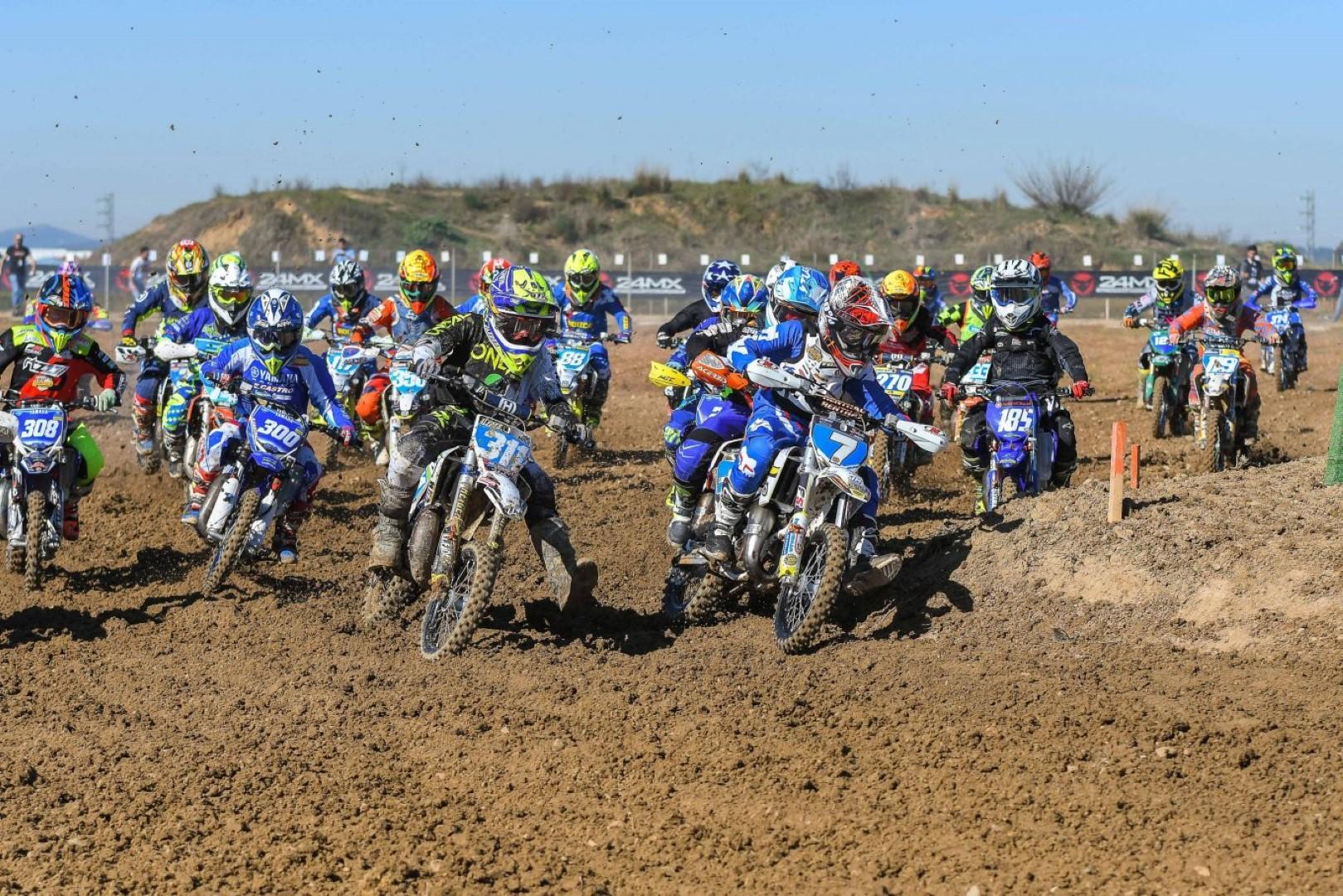 Martínez, Seisdedos, Cañadas y Pérez logran la victoria en el Motocross de Miajadas