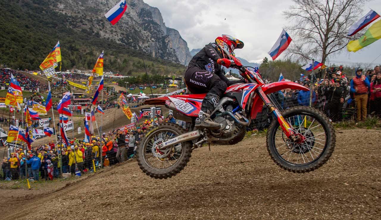 Emocionante victoria de Tim Gajser sobre Tony Cairoli en el MXGP de Trentino