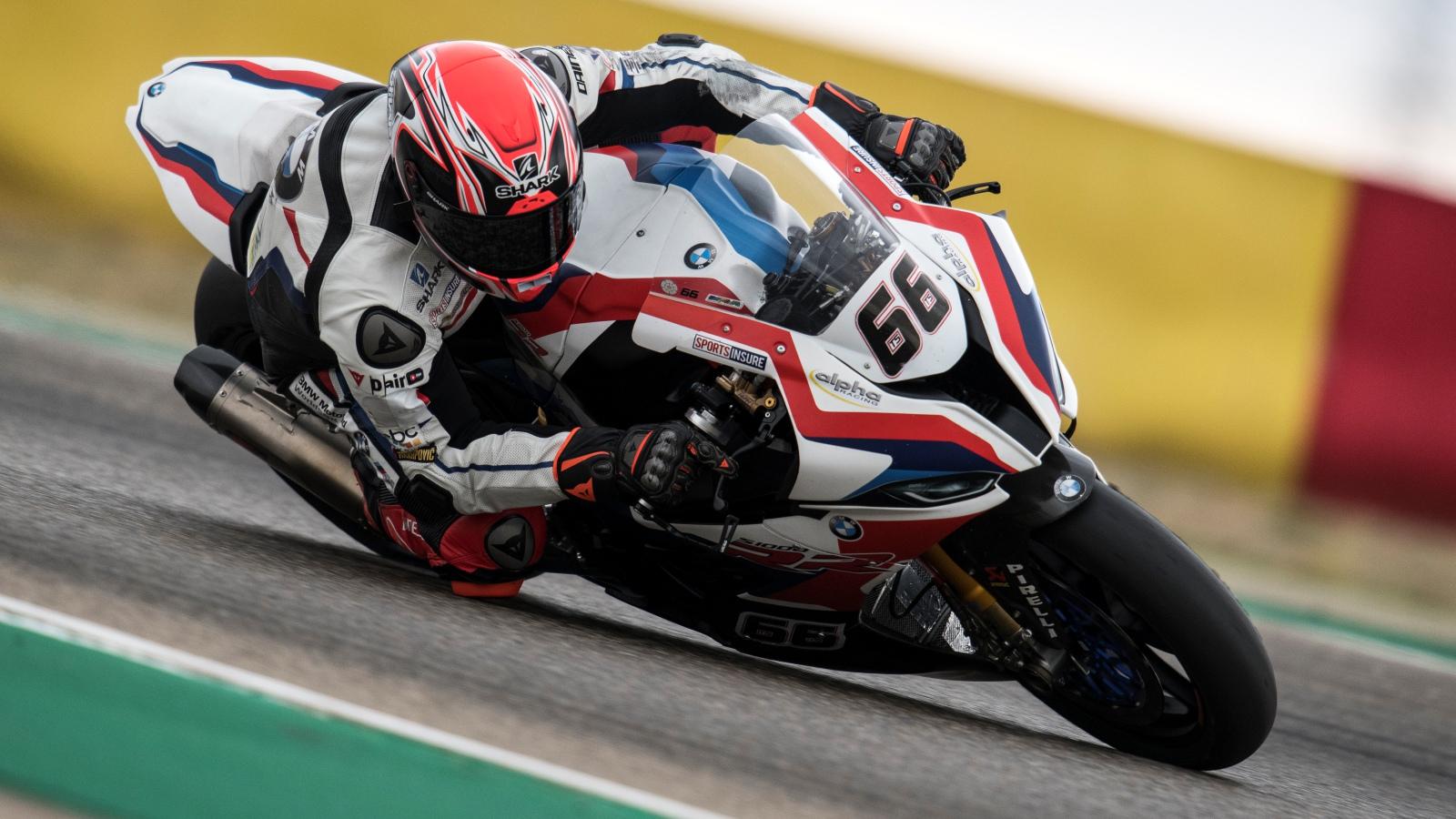 Tom Sykes lidera un viernes igualadísimo en Assen con Álvaro Bautista sexto