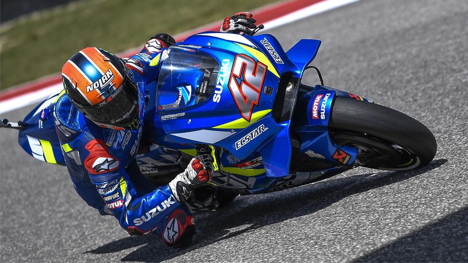 Álex Rins bate a Valentino Rossi en Austin y se estrena como ganador en MotoGP