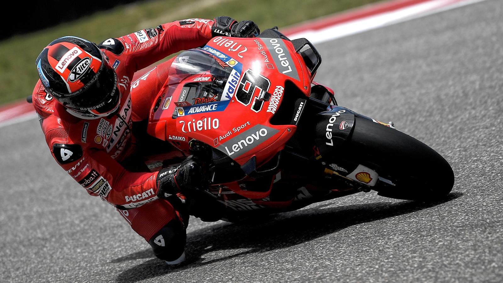 Danilo Petrucci sorprende y se cuela delante de Marc Márquez en los libres de Jerez