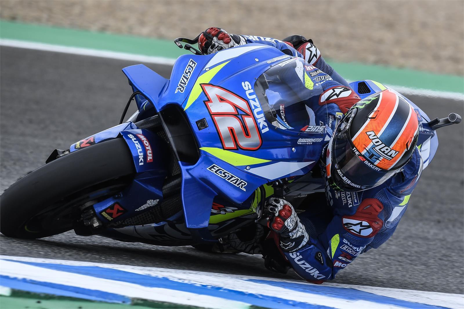 """Álex Rins: """"Ha sido brutal adelantar a Dovi frente a la afición en la curva Nieto"""""""