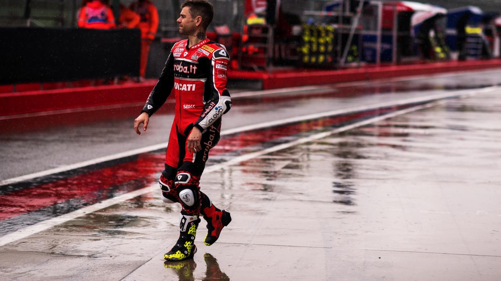 """Álvaro Bautista: """"Lo peor de todo es la seguridad del circuito, los muros están muy cerca"""""""