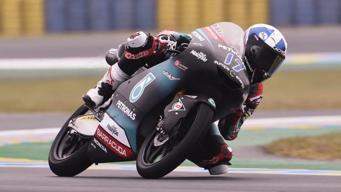 John McPhee bate a Lorenzo Dalla Porta en Le Mans y Arón Canet es más líder de Moto3