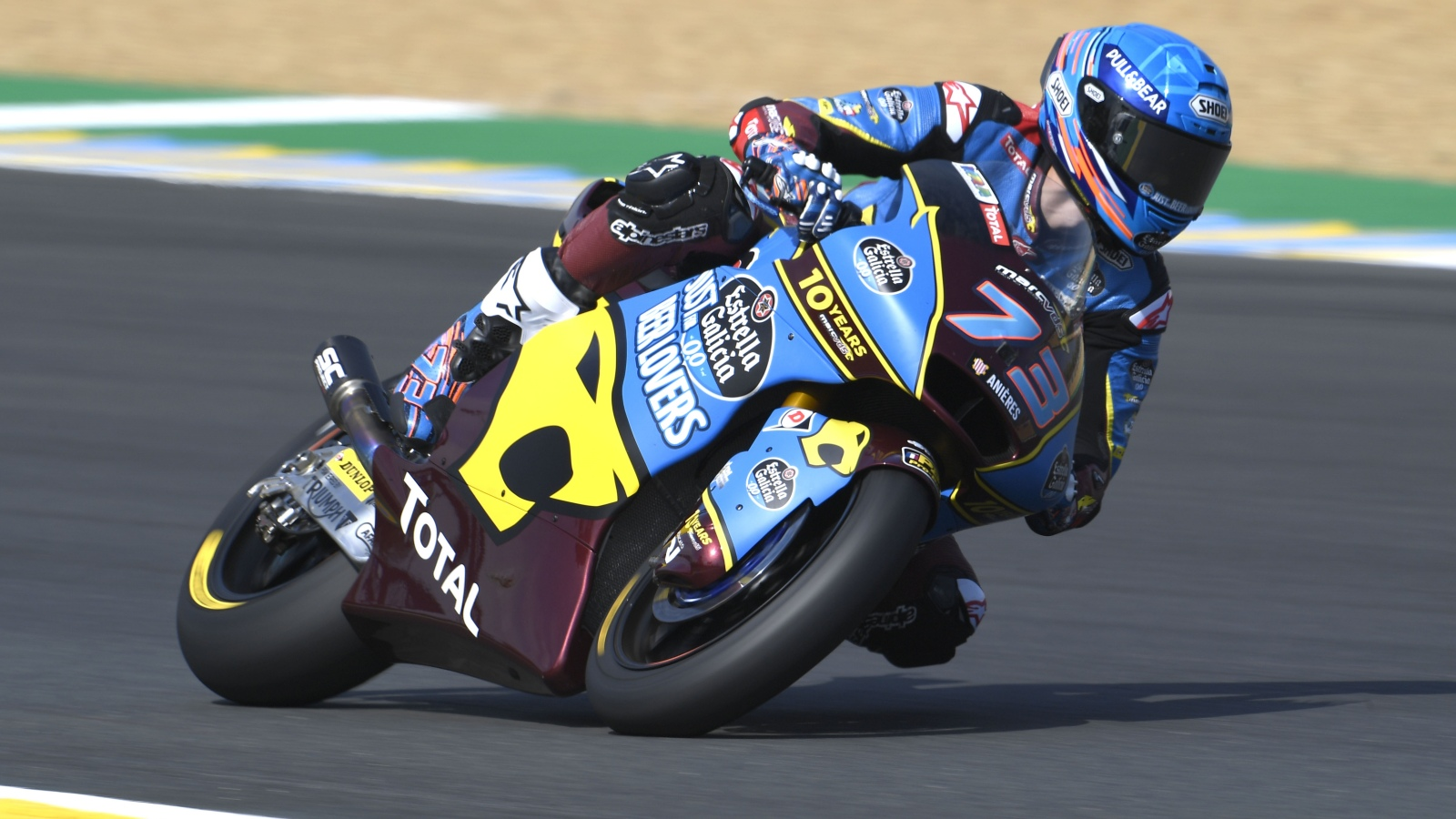 Álex Márquez lidera el triplete español en Moto2 y acaba con una sequía histórica
