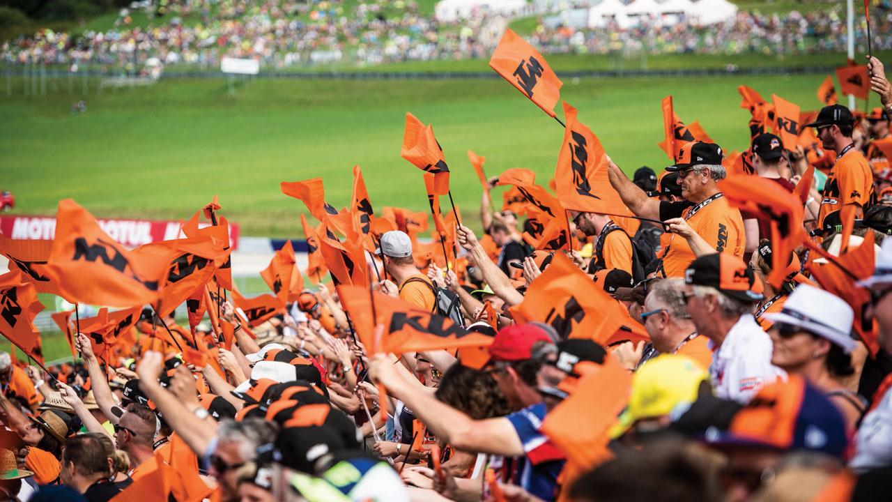 Tribuna KTM en el GP de Cataluña