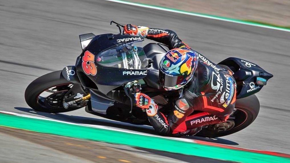 Jack Miller prueba la Ducati Panigale V4 R y dispara los rumores sobre su futuro