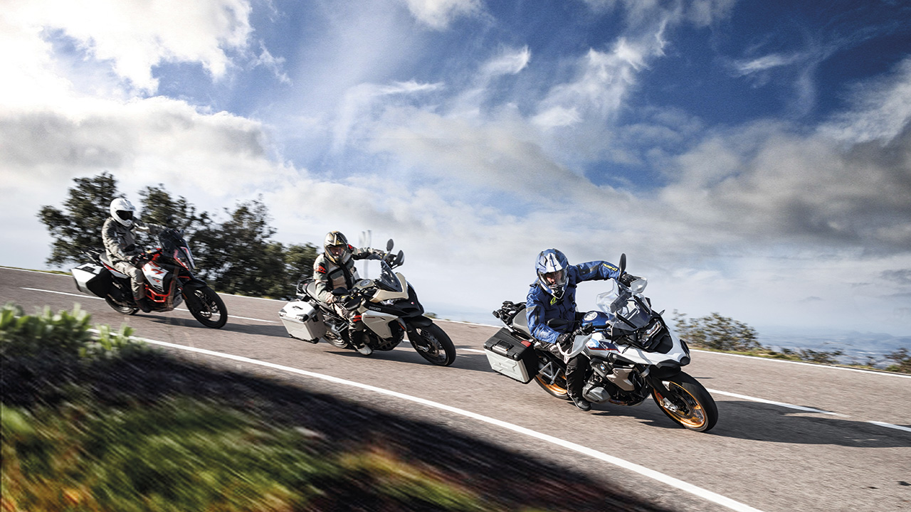 BMW R 1250 GS HP vs Ducati MTS 1260 Enduro vs KTM 1290 Super Adventure R: Comparativa maxitrail adventure