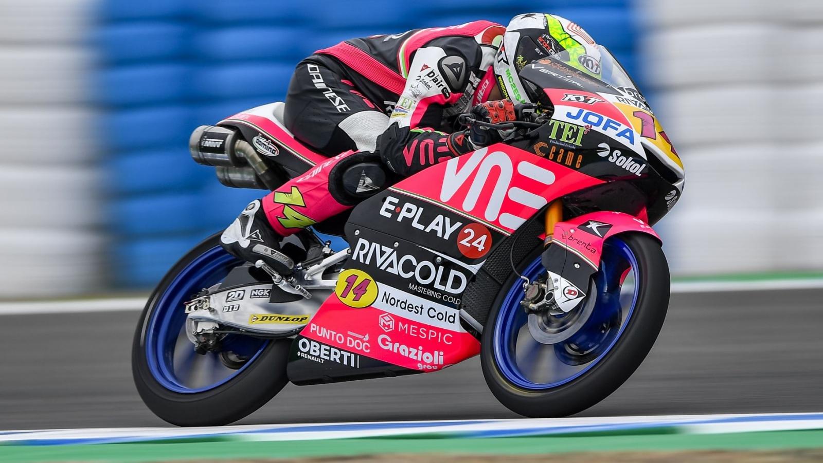 Tony Arbolino hace la pole de Moto3 triturando el récord de Mugello