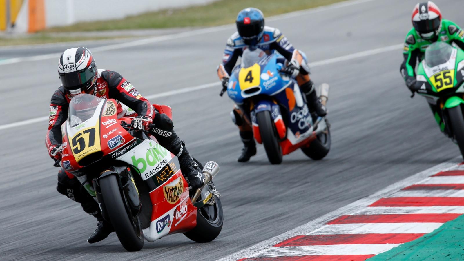 Edgar Pons arrasa con un doblete en Montmeló y es mucho más líder de Moto2