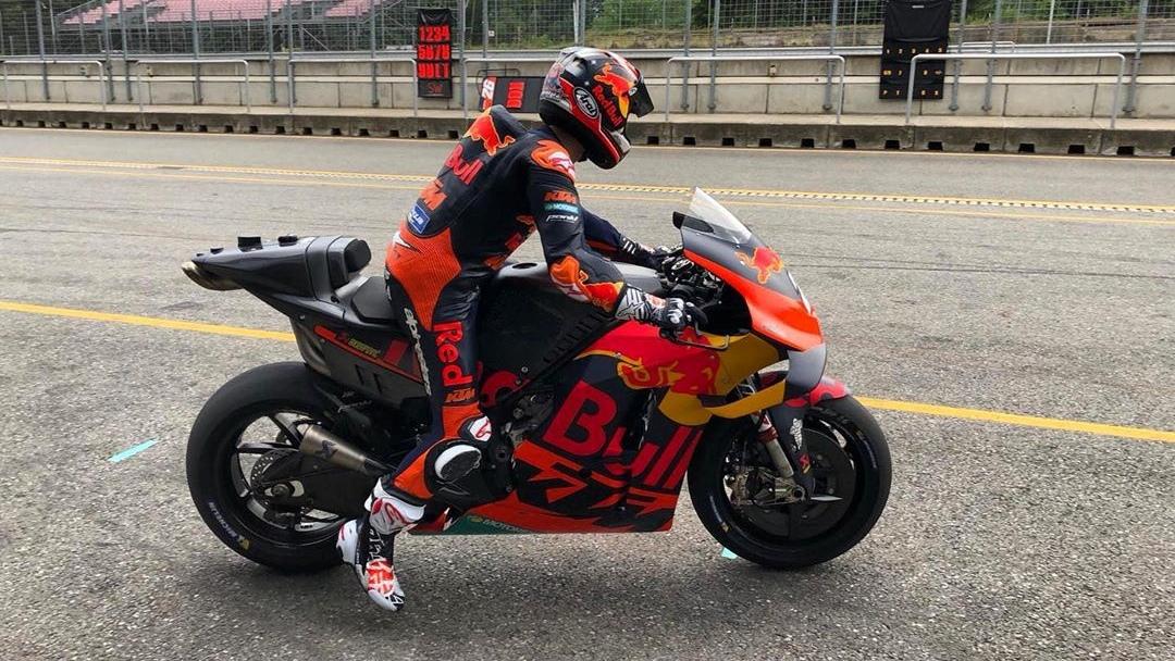 Dani Pedrosa enseña su primer vídeo con la KTM de MotoGP y pronto correrá con una 500cc