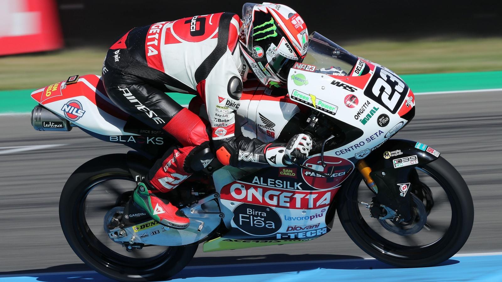 Niccolò Antonelli se hace con la pole en Assen batiendo el récord de Moto3