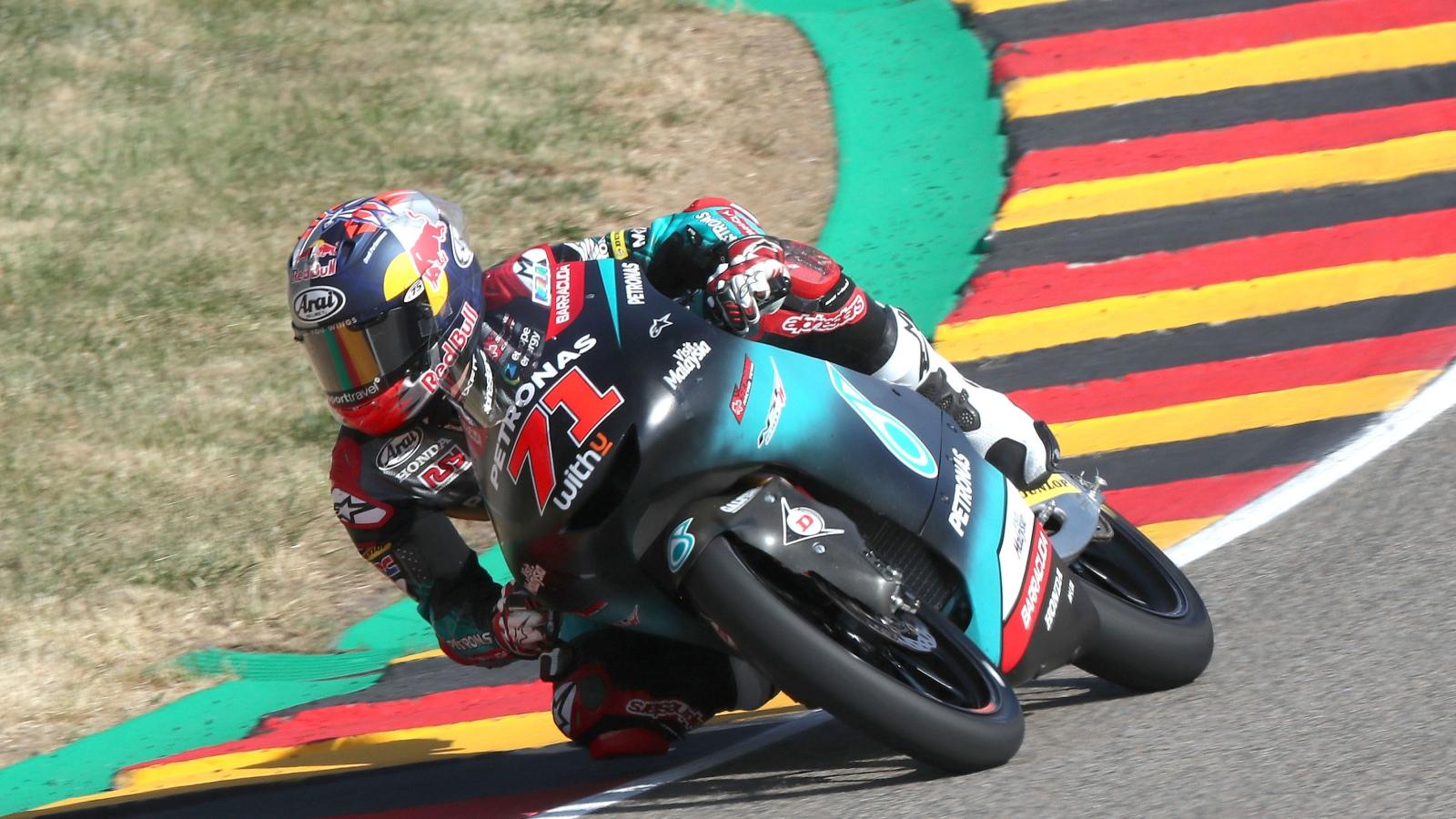 Ayumu Sasaki hace la pole de Moto3 en Sachsenring con Marcos Ramírez tercero