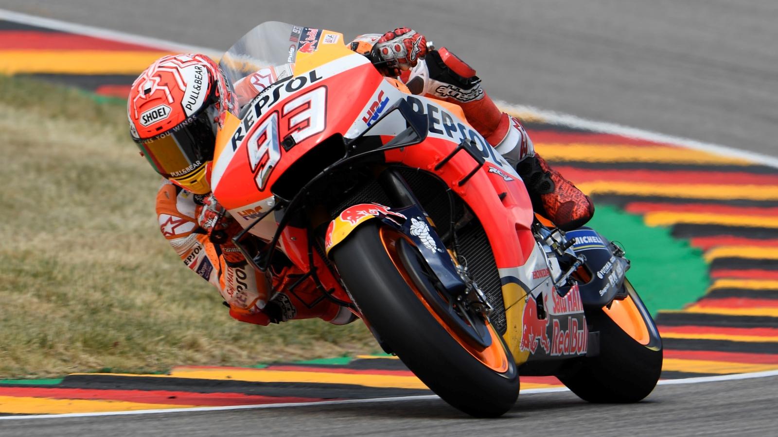 Marc Márquez logra su décima pole seguida en Sachsenring ante Fabio Quartararo