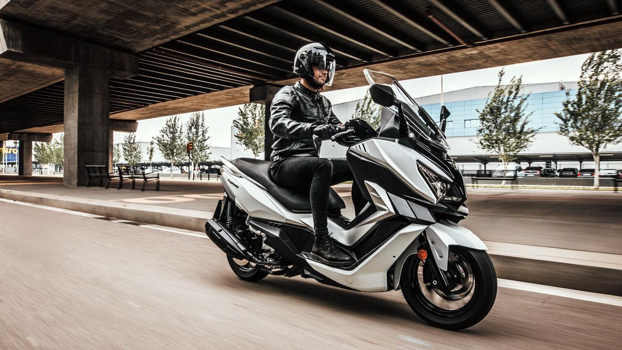 SYM Cruisym, un scooter GT y deportivo