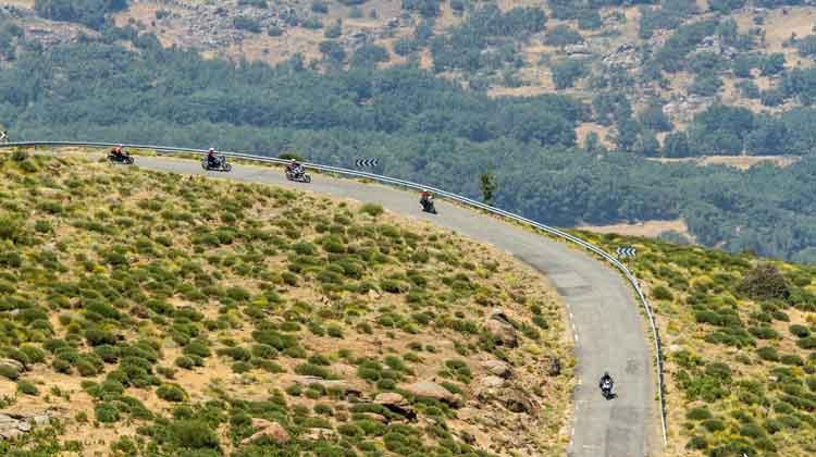 Motociclismo Rally Ávila 2019: día de rutas en moto, y calor... ¡mucho calor!