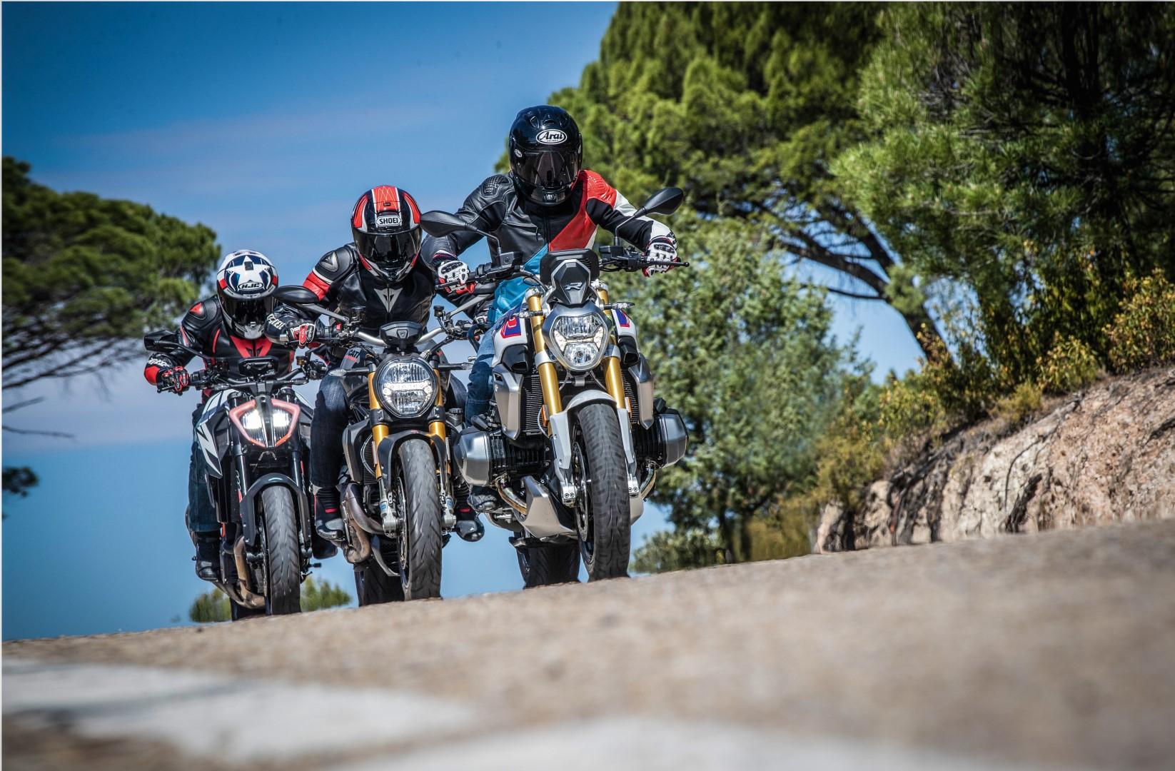 Comparativa Supernaked Grandes Twin: BMW R 1250 R, Ducati Monster 1200 S, KTM 1290 Super Duke R