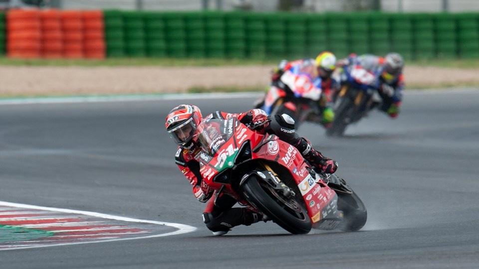 NoTodoMotoGP: Michele Pirro y la Ducati Panigale V4 R vuelven a lo alto en Misano