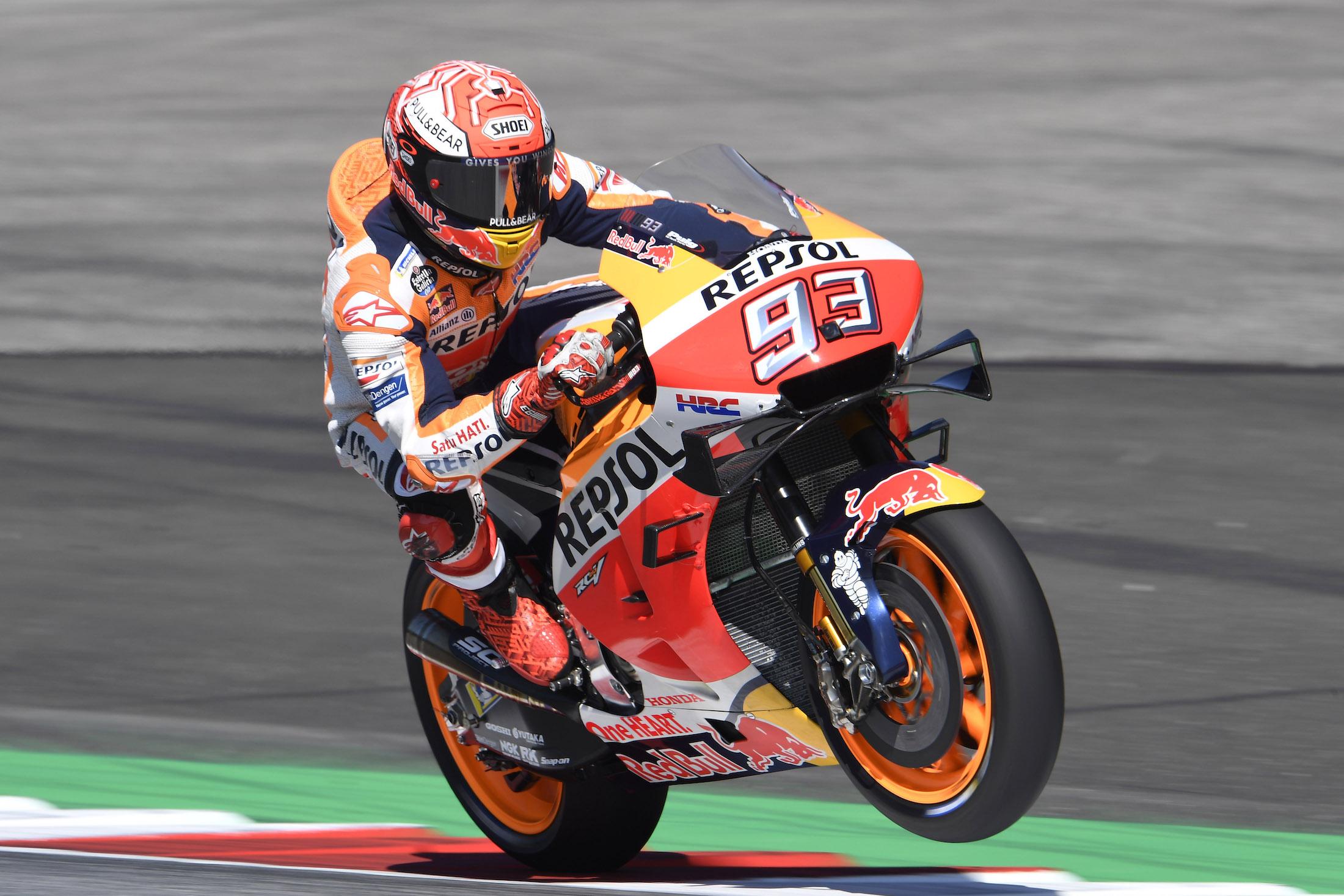 Marc Márquez golpea primero en el circuito talismán de Ducati