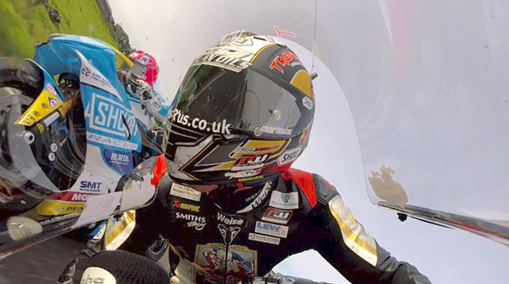 Vídeo: El espectacular duelo entre Peter Hickman y Lee Johnston en el Ulster GP
