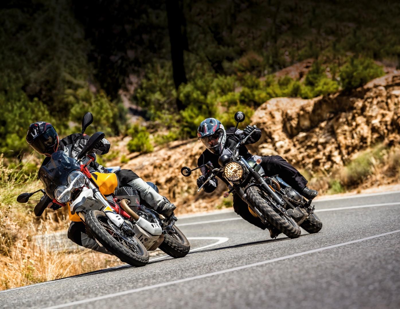 Comparativa Moto Guzzi V85TT vs. Triumph Street Scrambler