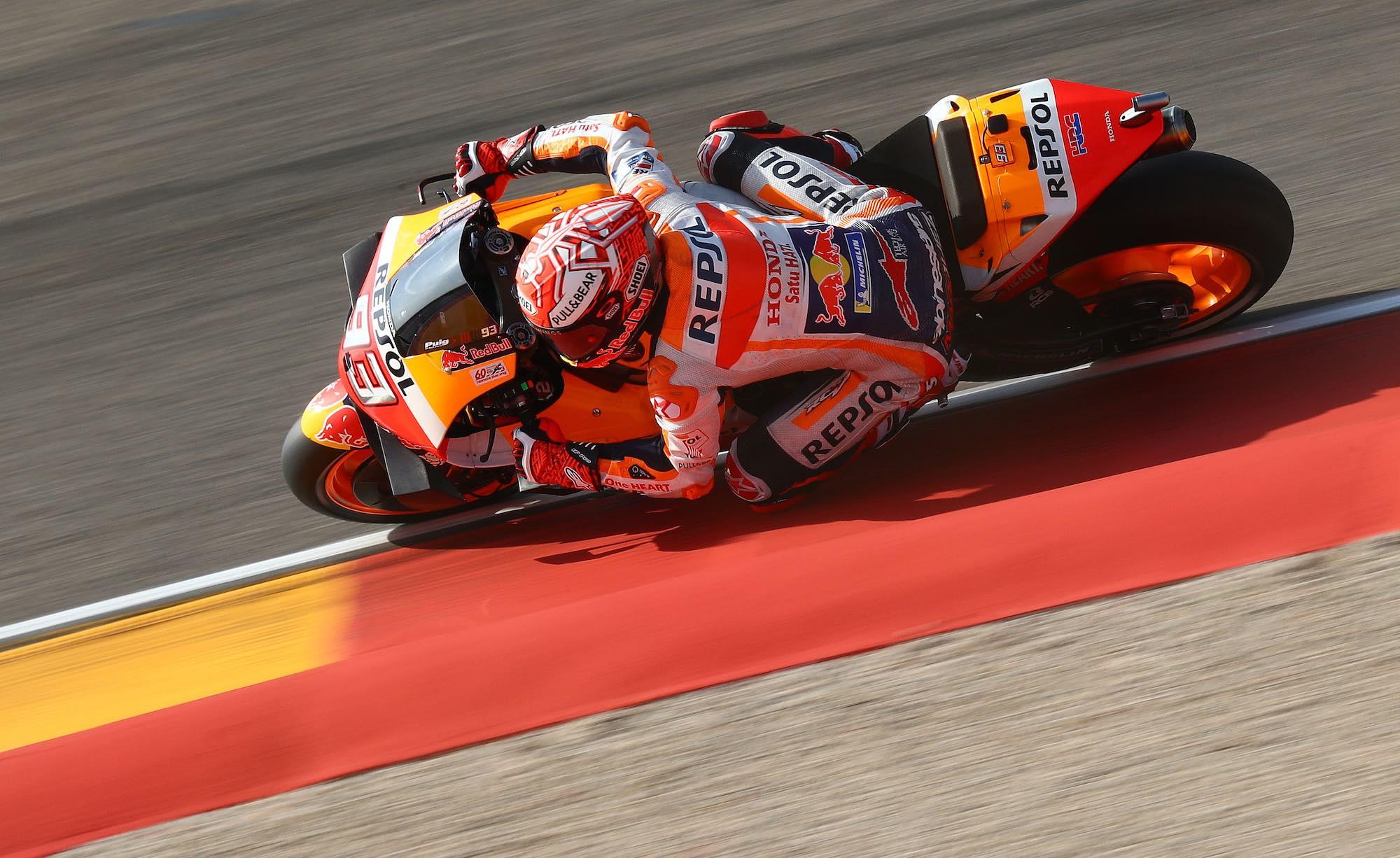 Marc Márquez, a un mundo en los libres de MotoGP en Motorland Aragón