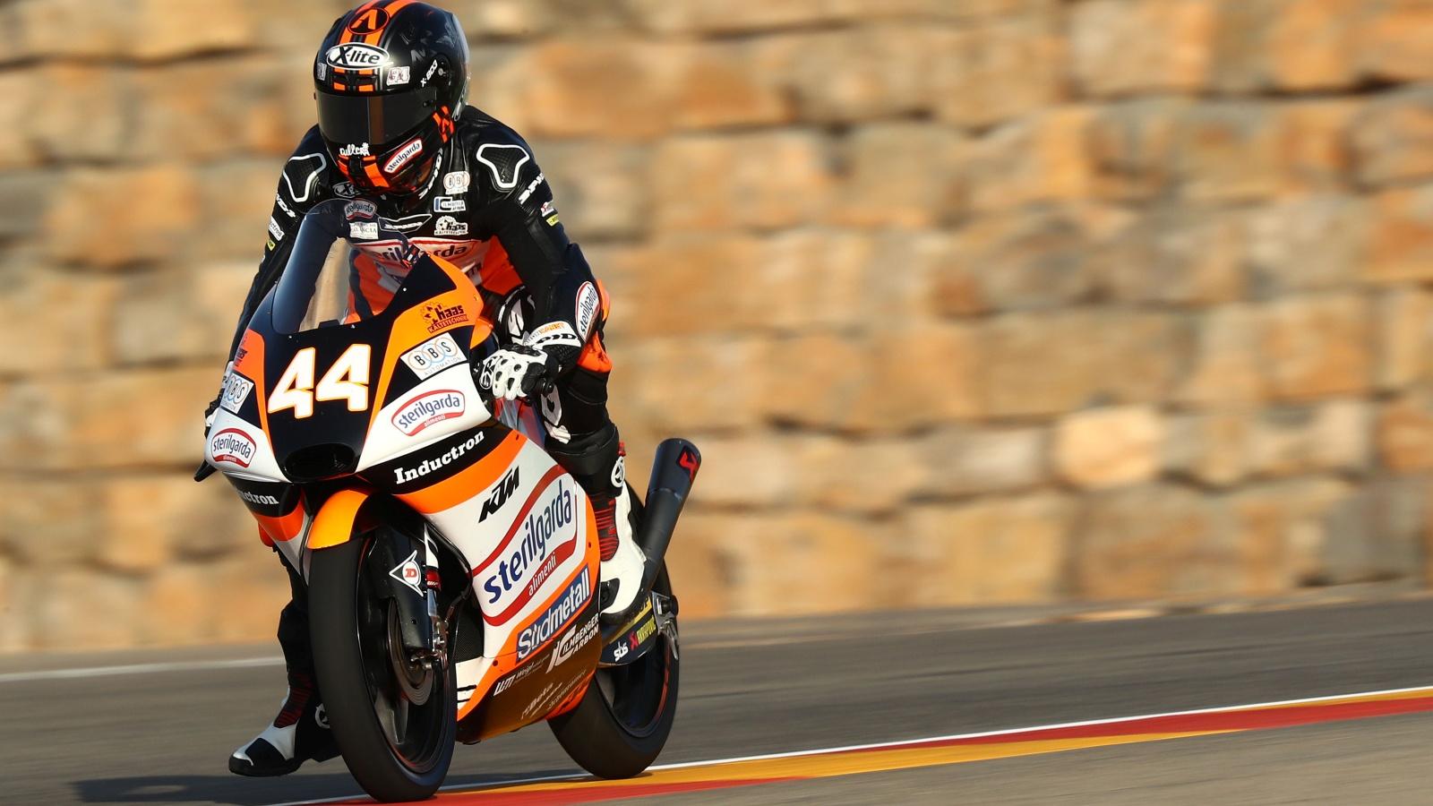 Arón Canet firma una pole increíble en Aragón y Carlos Tatay se cuela en primera fila