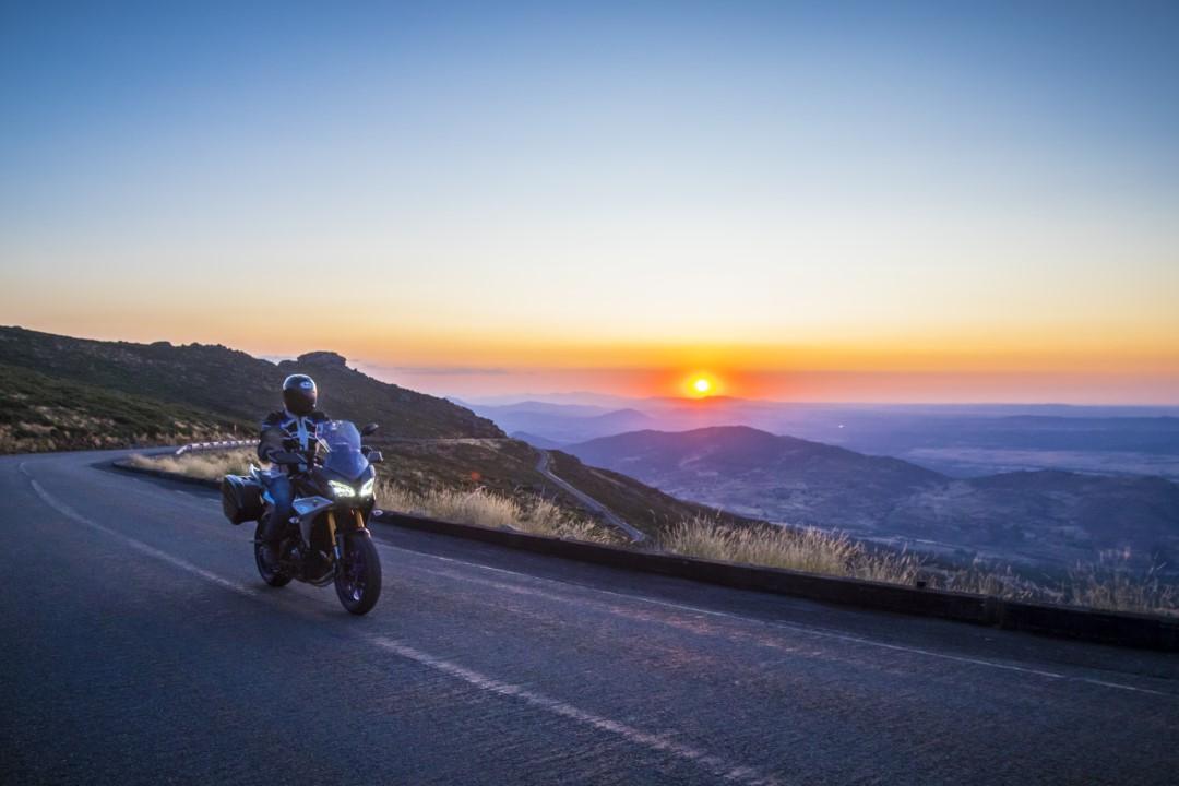 En ruta con Yamaha Tracer 900 GT: Gredos, el muro del norte