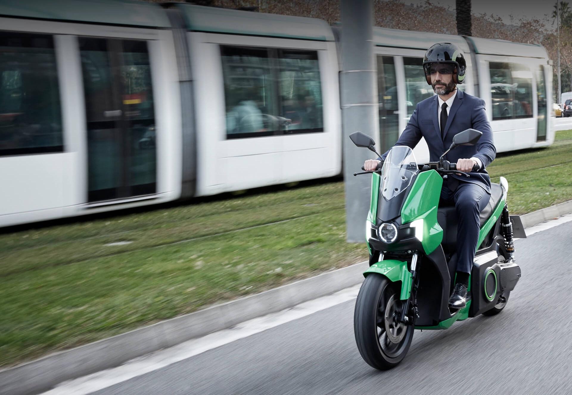 Seat comenzará a vender motos