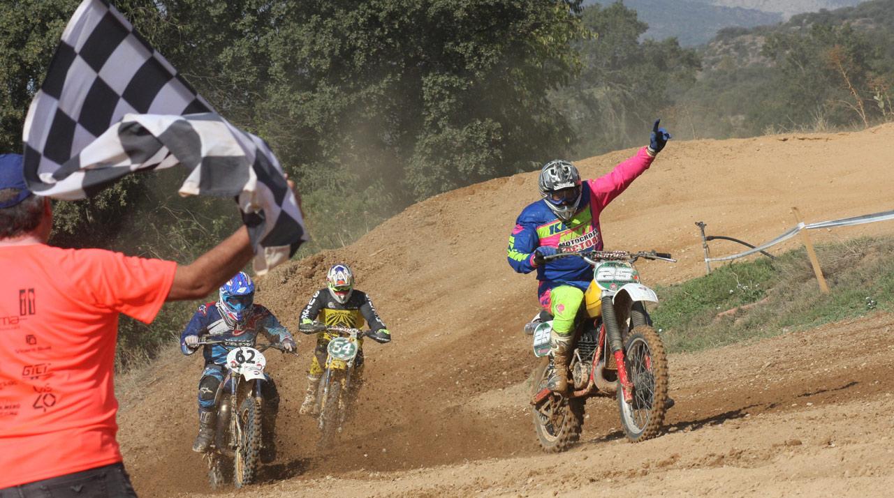 Fin del Nacional de Motocross Clásico en el mítico trazado de Montgai