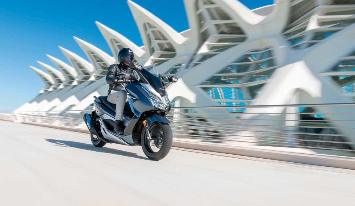 ¡Prueba el nuevo Honda Forza 300 con nosotros!