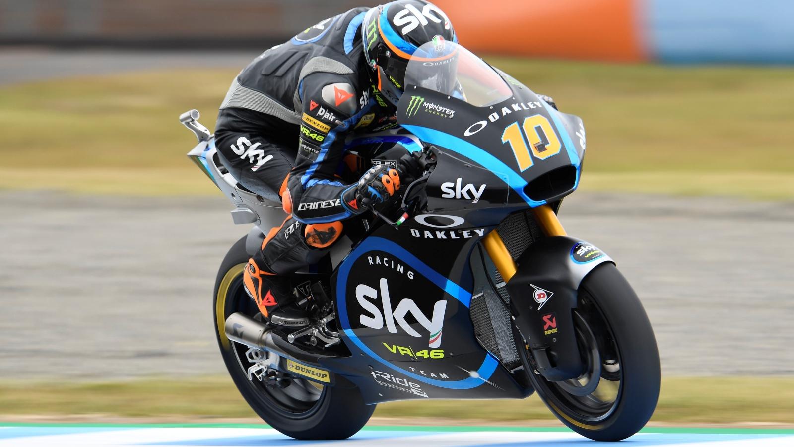 Luca Marini bate a Thomas Luthi en Japón y Jorge Martín se estrena en el podio de Moto2