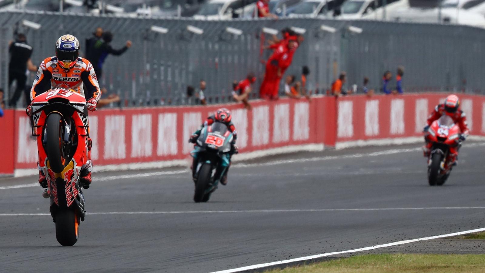 Píldoras MotoGP Japón 2019: Abuela vs pizarra, todos lo sabían y, de beber, constructores