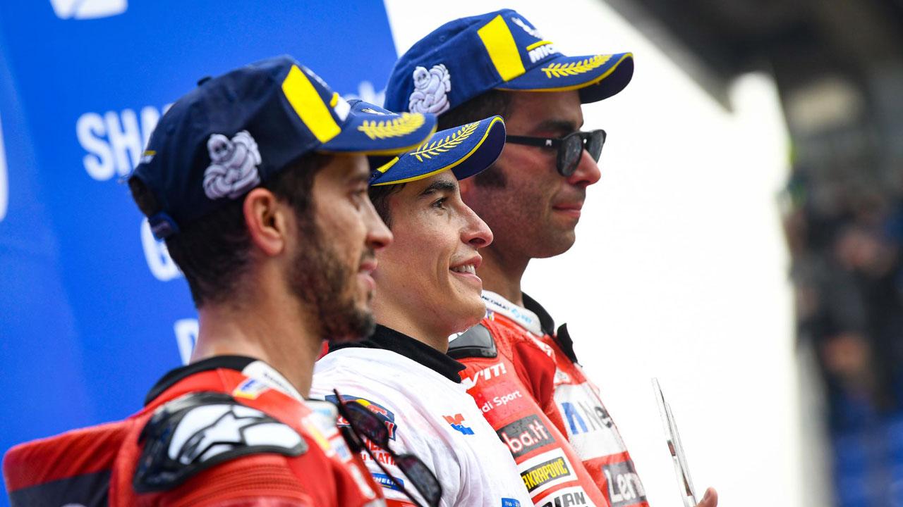 Marc Márquez y la Triple Corona: Dos Ducati contra uno